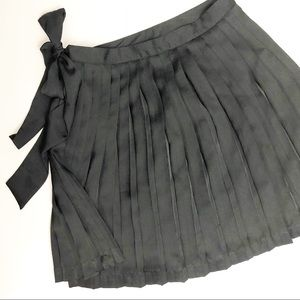 Gap Black Pleated Skirt TALL with Bow
